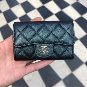 Chanel iridescent black flap card holder/ o-case